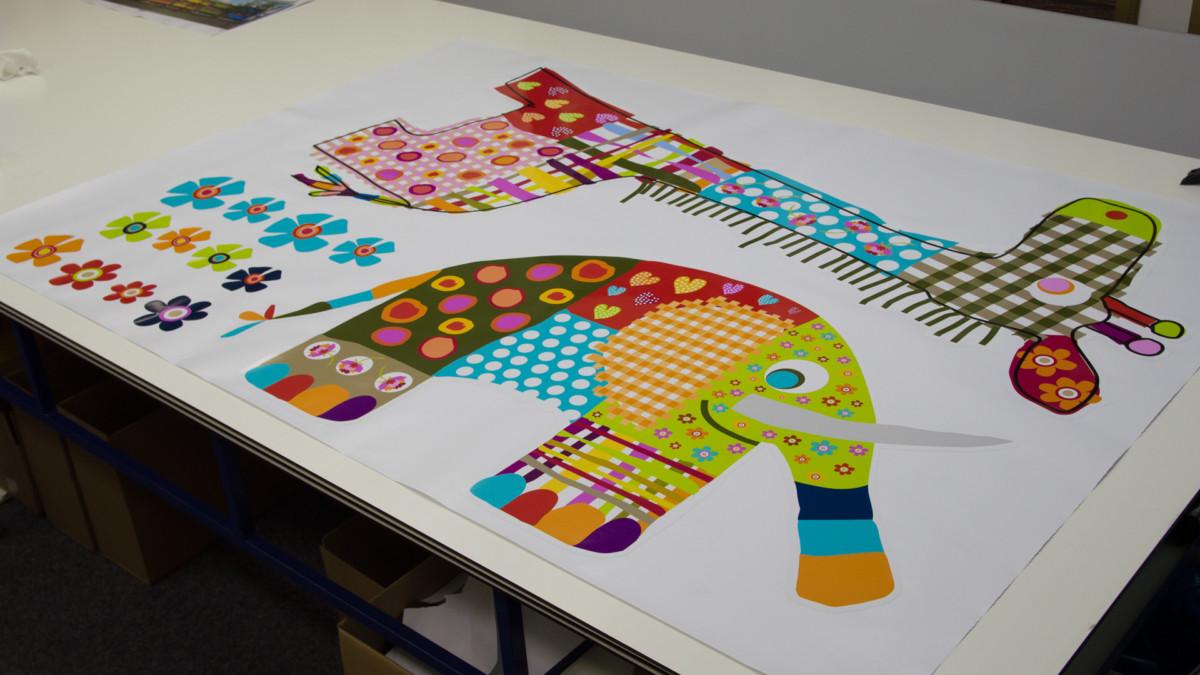 window sticker (6) animals, large, cut to shape
