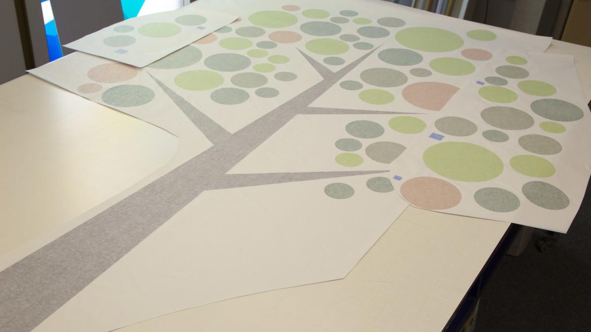 window sticker (6) tree, large, cut to shape